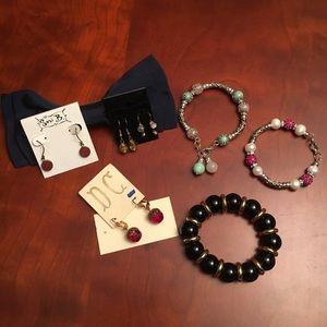 Costume jewelry ear-rings & bracelets
